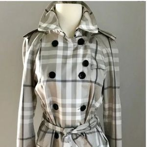 Auth. RARE Burberry London Hawkesbury trench S6